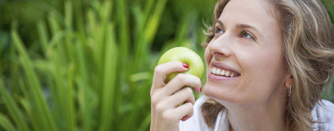 Al dejar de fumar tenemos el impulso de comer, pero recuerda que sean alimentos sanos y saciantes