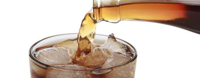 El azúcar y las bebidas gasesas que lo contienen son perjudiciales para el hígado