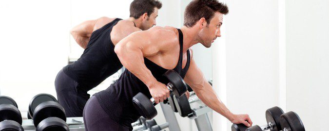 Para ganar músculo es más recomendable la mañana por la segregación de testosterona