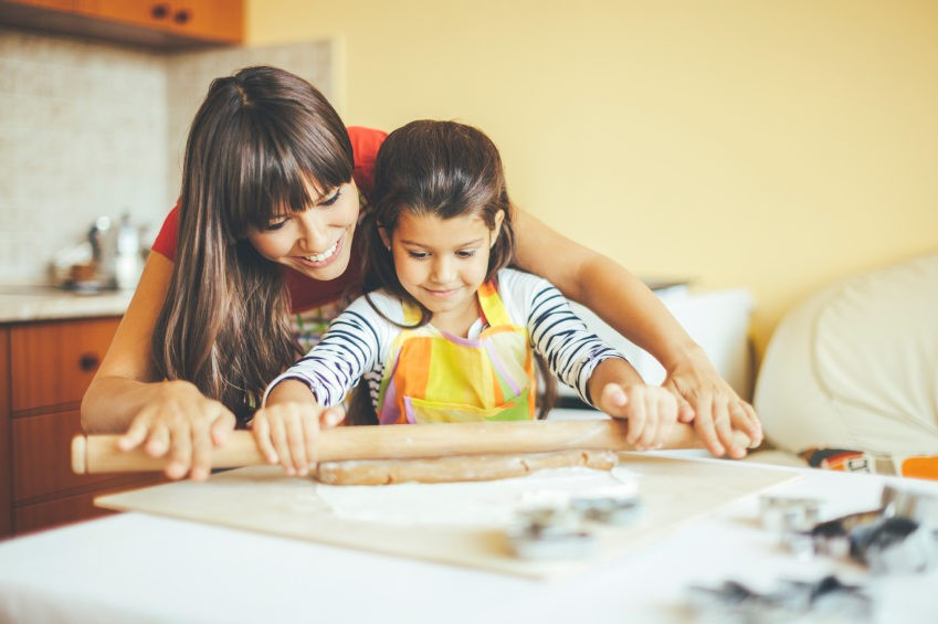 Mantener limpia la cocina, lavarnos las manos frecuentemente o cocinar bien los alimentos nos ayudarán a evitarla