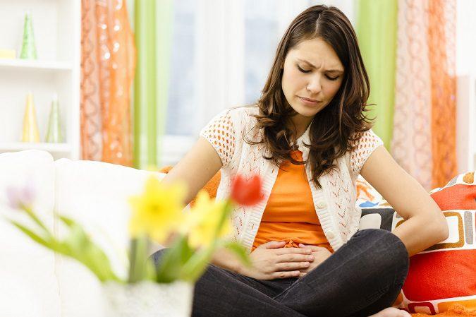 Son muchos los motivos por los que puede doler el estómago después de comer