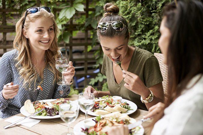 Tendrás muchos beneficios para tu salud si aprendes a comer bien