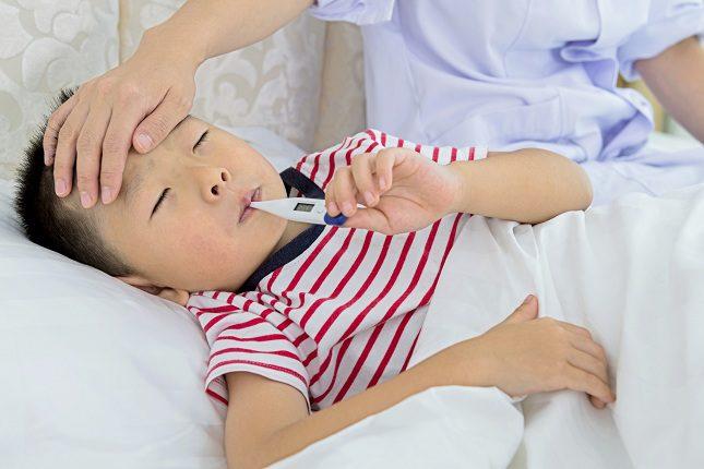 La fiebre hemorrágica maniifesta síntomas como fiebre, mareos o debilidad
