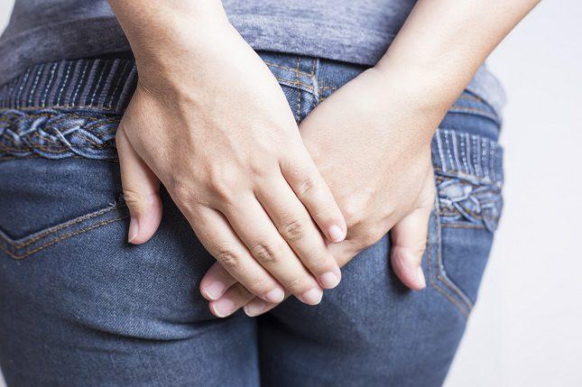 El esrtreñimiento es una de las causas más comunes de las hemorroides