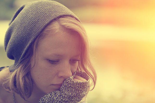 Hay cierta relación entre la infelicidad y el cáncer a partir de una avanzada edad