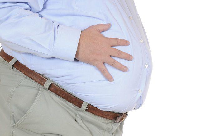 La retención de líquidos en toda la zona del abdomen</b> es algo realmente grave