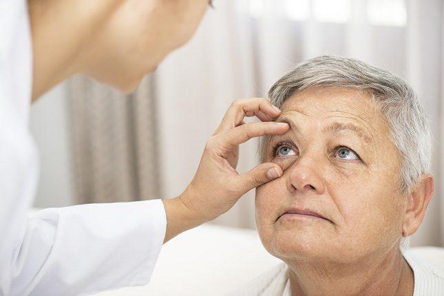 Hay desprendimientos de retina producidos por una degeneración natural de los ojos