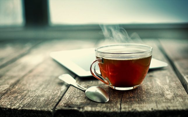 El té negro y el verde también tienen cafeína
