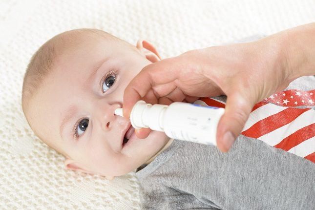 En el caso de que el bebé se encuentre especialmente molesto y llorando continuamente, es el mejor momento para aliviarlo