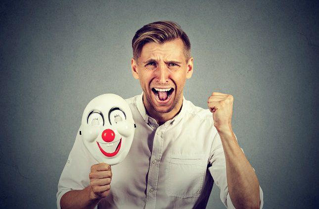 A la hora de tratar la ciclotimia debemos acudir en primer lugar a un psicólogo que tras diagnosticarte te propondrá realizar una terapia