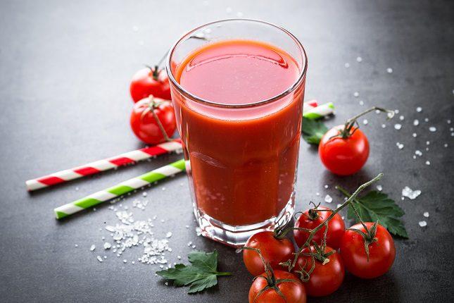 El licopeno, es el antioxidante que se encuentra en los tomates