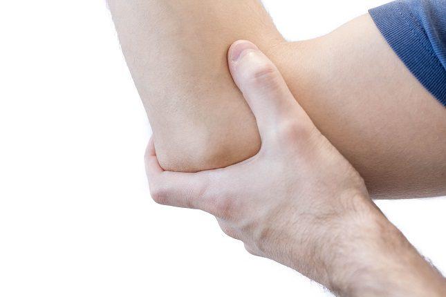 El codo de tenista o epicondilitis es una dolencia muy presente en una parte de la población