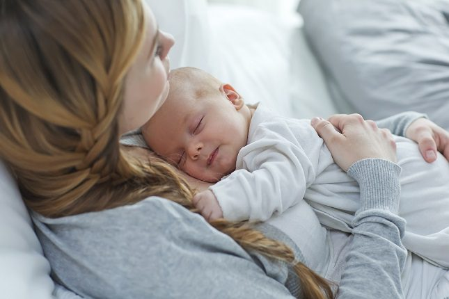 Si una madre ha sido diagnosticada con depresión leve, puede tratarse con psicoterapia