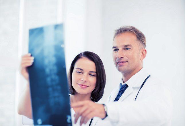 Una vez que se llega a donde se quiere, comenzará la angiografía con el uso del contraste radiológico