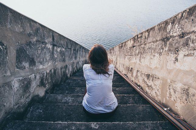 Los psicólogos recomiendan no pasar por el proceso de duelo solo