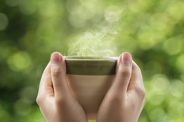En los países en los que más se consume té verde, el porcentaje de personas enfermas de cáncer suele ser menor.