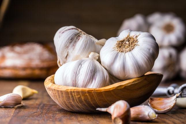 Comer dos o tres dientes de ajo en ayunas ayuda a disminuir los triglicéridos
