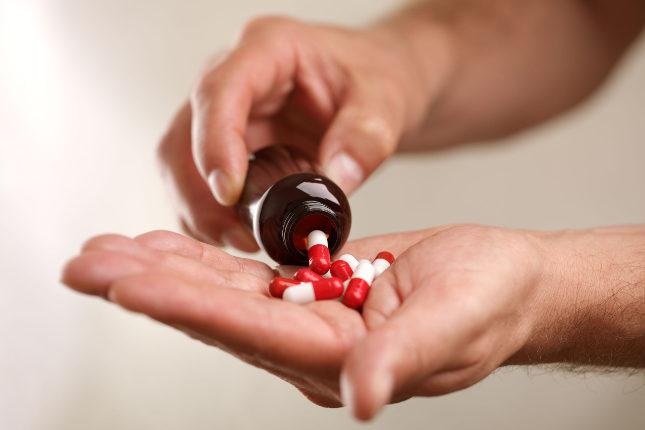 Si la amigdalitis es vírica, no se trataría con antibióticos