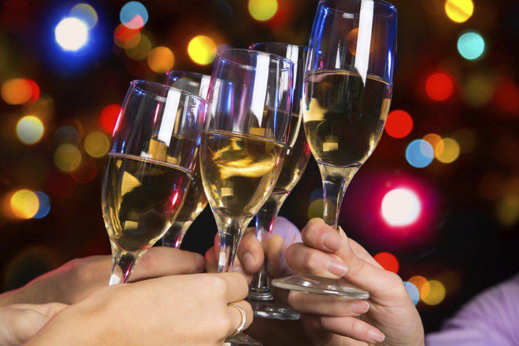 Resultado de imagen para cena navideña alcohol