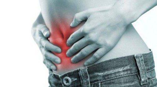 5 posibles causas del dolor de estómago y cómo aliviarlo