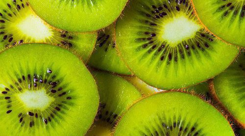 Por qué si eres deportista debes comer Kiwi