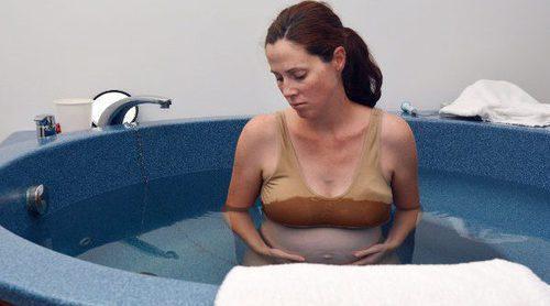 ¿Es buena opción el parto en el agua?