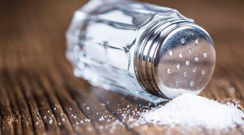 Por qué tienes que reducir la sal en tu dieta