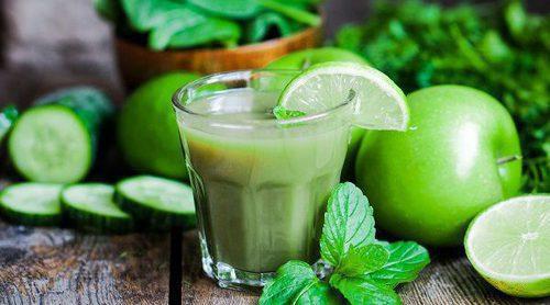 Bebidas que te ayudarán a combatir la hinchazón de vientre