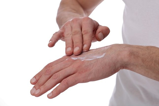 El frío es un agente externo bastante malo para el buen estado de las manos