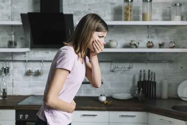 El tratamiento se enfoca en cambiar el comportamiento aprendido responsable de la regurgitación