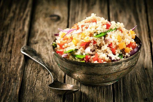 La quinoa es uno de los cereales indispensables en la dieta vegana