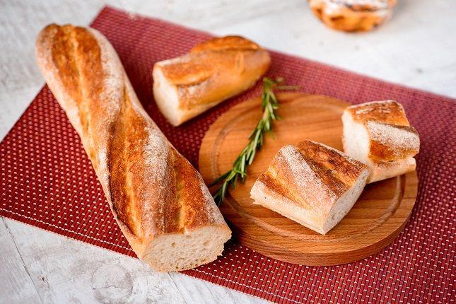 Los nutricionistas aconsejan el no dejar de tomar pan a la hora de perder peso