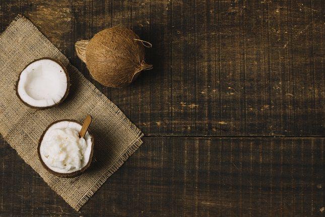 El aceite de coco es rico en vitamina E