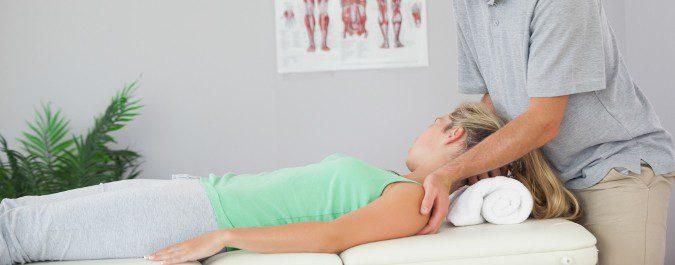 El fisioterapeuta nos indicará los ejercicios que devuelvan cuello su movilidad