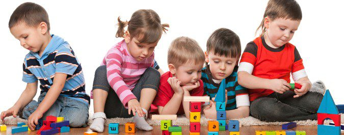 Es común que los niños se contagien entre ellos en el colegio
