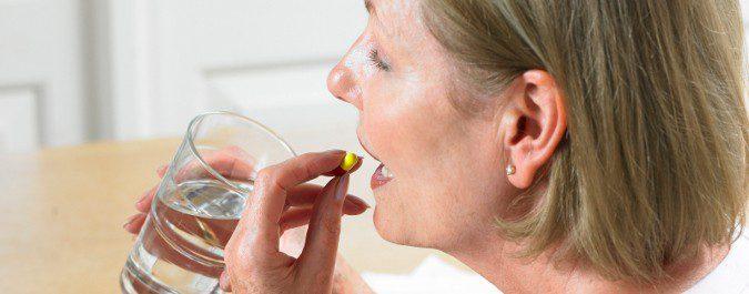 Debemos tener en cuenta los riesgos de la terapia hormonal en la menospausia antes de iniciar el tratamiento