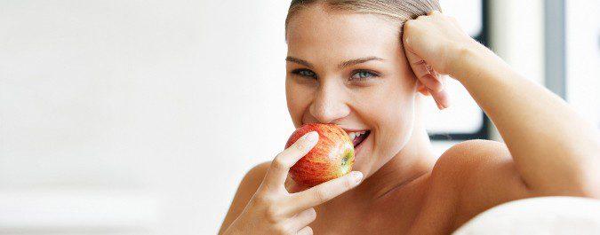 Una dieta sana, pero no excesivamente restrictiva, será nuestra mejor aliada para perder peso de manera sana