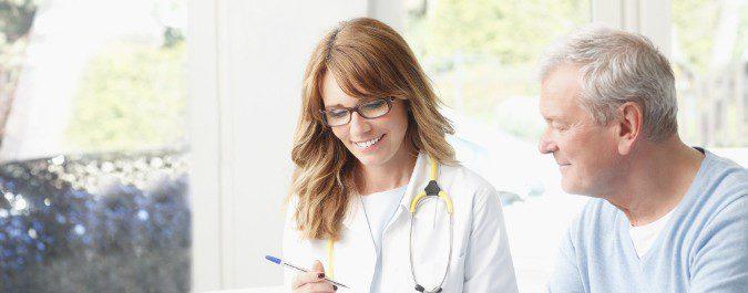 Negarse a ir al médico por vergüenza dificulta el tratamiento de la andropausia