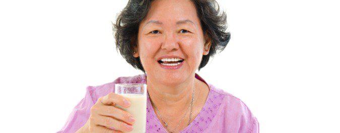 Las mujeres orientales llevan una dieta rica en soja y otros alimentos saludables y sufren menos los síntomas de la menopausia