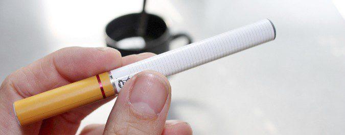 El cigarrillo electrónico debería ser el último recurso, no nos ayuda mucho a dejar el tabaco