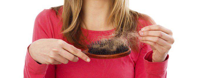 La alopecia es uno de los síntomas del SOP