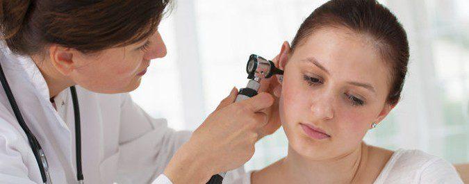 El alergólogo nos realizará una exploración de nariz y oídos para hacer su diagnóstico