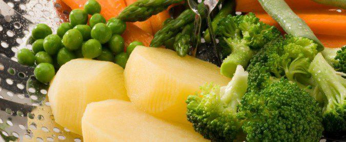 Cocinar los alimentos al vapor mantendrá más su sabor que si los cocemos