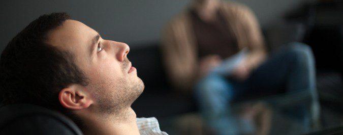 La hipnosis funciona de ayuda a nuestra fuerza de voluntad para mantenernos sin fumar