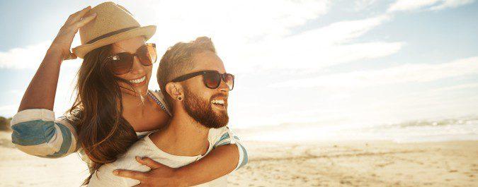 Para prevenir el cáncer de piel es recomendable cubrirnos bien con la ropa