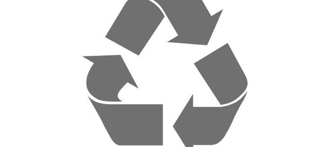 Debemos fijarnos en el número que aparece en el interior del triángulo símolo de reciclaje
