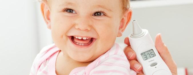 Termómetro y bebé