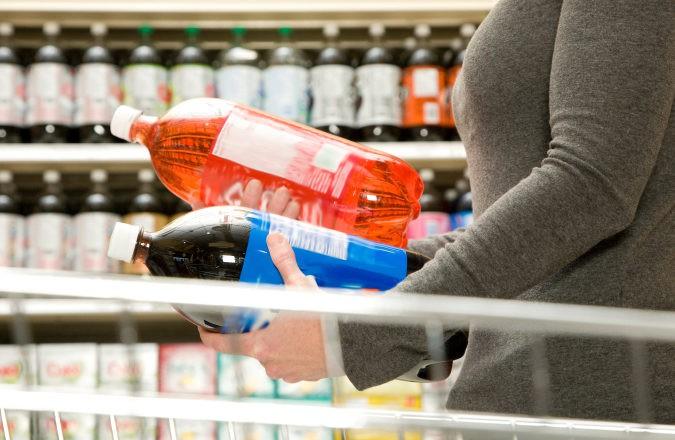 Puedes sustituir las bebidas azucaradas por infusiones o agua