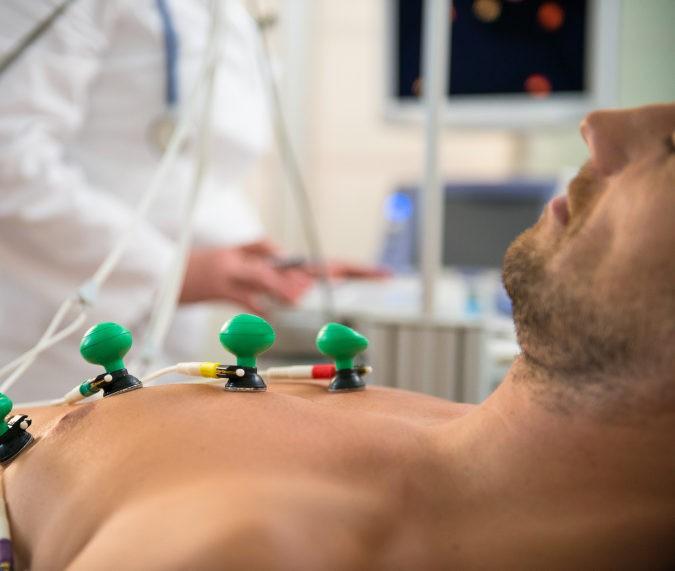 Uno de los primeros pasos para diagnosticar este síndrome es realizar un electrocardiograma
