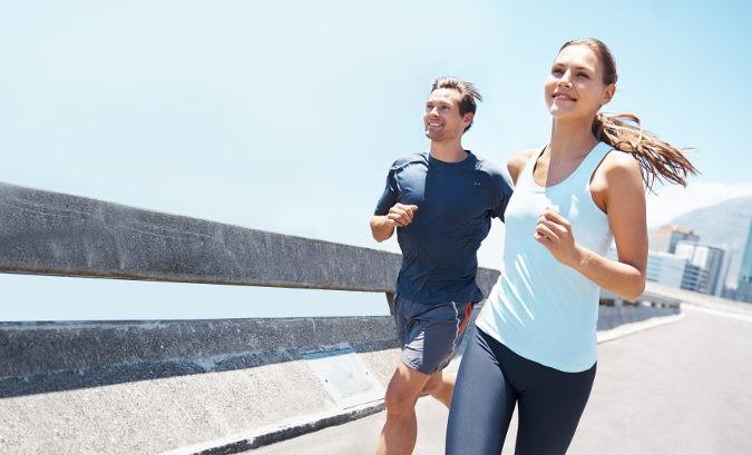 Hacer ejercicio moderado debe incluirse en nuestra rutina si querremos mantener el corazón sano